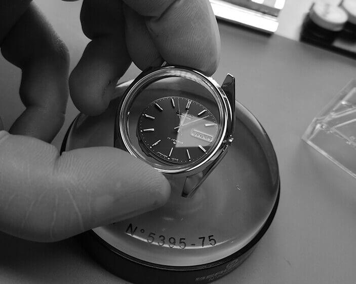 Remontage du boîtier de la montre